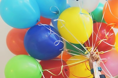 hide gift card in balloons for birthday