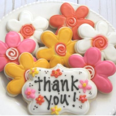 thank you flower shaped cookies